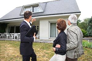 Vor Ort treffen mit dem Immobilienmakler